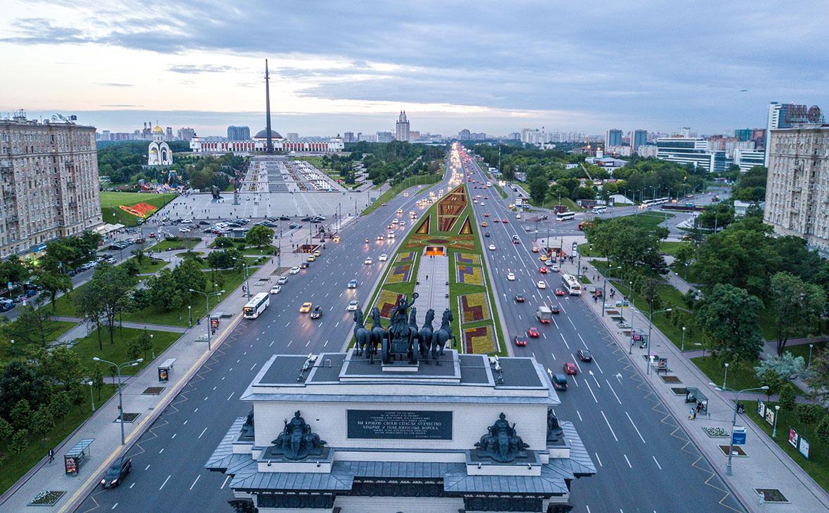 Вид наКутузовский проспект в Москве
