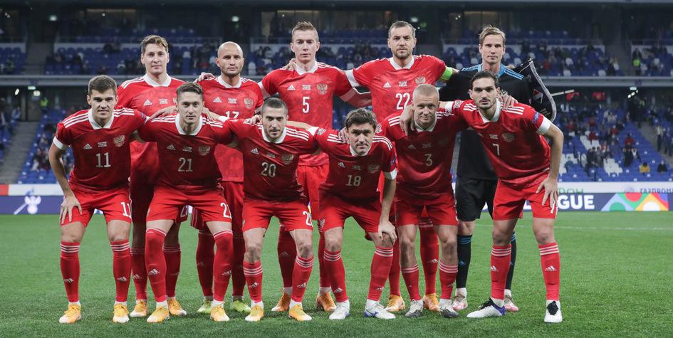 Футболисты сборной России перед матчем с командой Венгрии (Михаил Шапаев, РФС)
