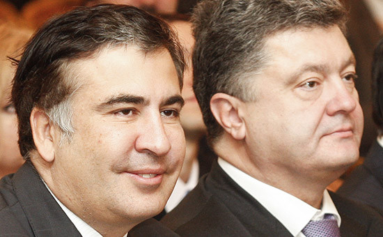 Экс-президент Грузии Михаил Саакашвили и президент Украины Петр Порошенко (слева направо)