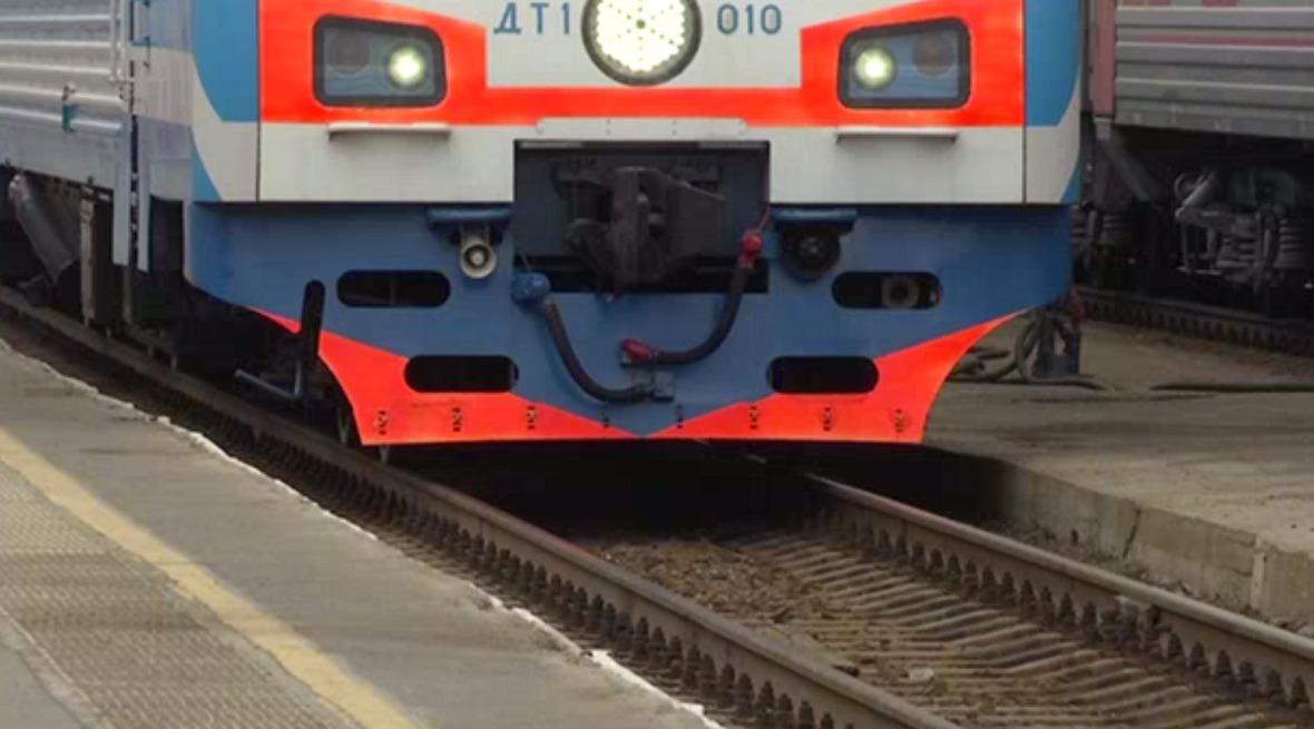 СКР возбудил дело после схода с рельсов электровоза и вагонов в Прикамье