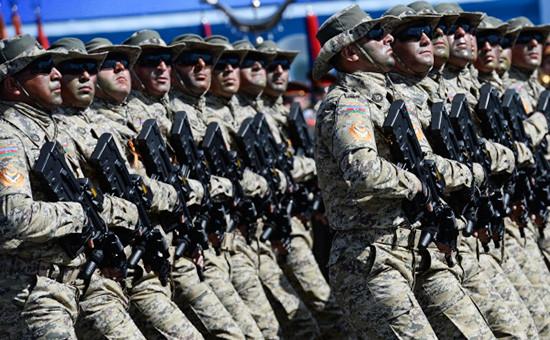 Военнослужащие Национальной армии Азербайджана, май 2015 года