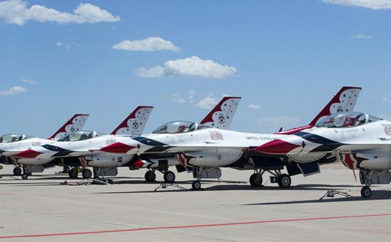 Самолеты пилотажной группы Thunderbird