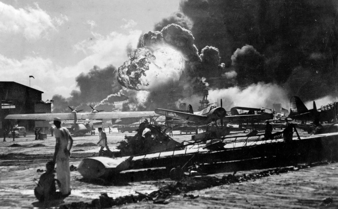 Атака японцев на базу Перл-Харбор