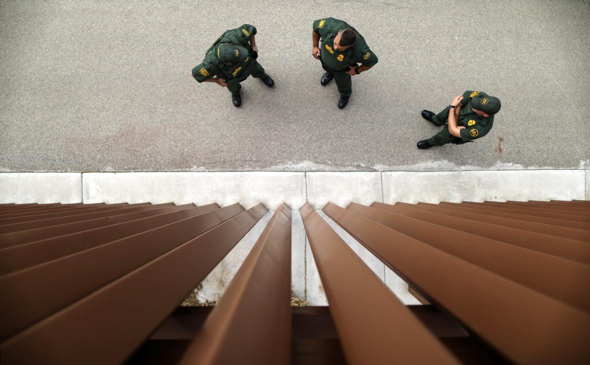 Пограничники США на границе с Мексикой
