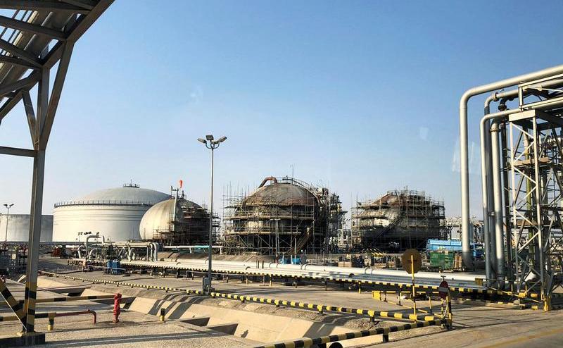 Поврежденный нефтяной объект Saudi Aramco в Абкайке