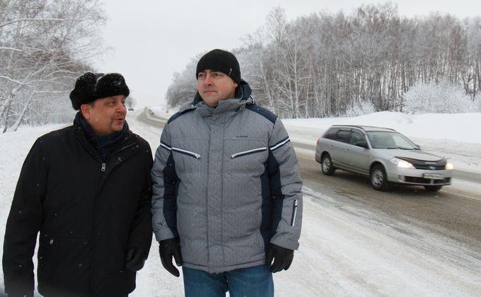 Михаил Чуманов (слева)