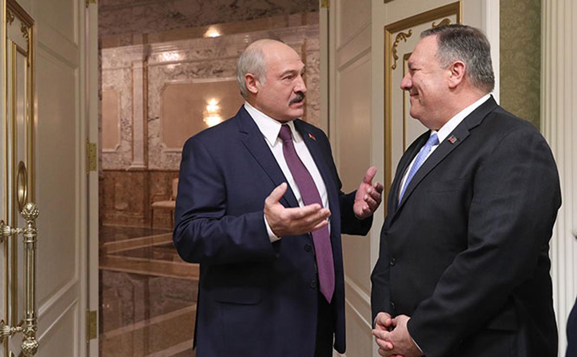 Александр Лукашенко (слева) и Майкл Помпео