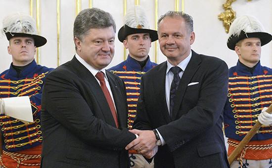 Президент Украины Петр Порошенко (слева) и президент Словакии Андрей Киска на переговорах в Братиславе