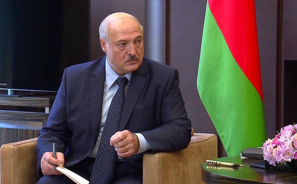 Лукашенко одобрил проект о перевалке белорусских нефтепродуктов в России