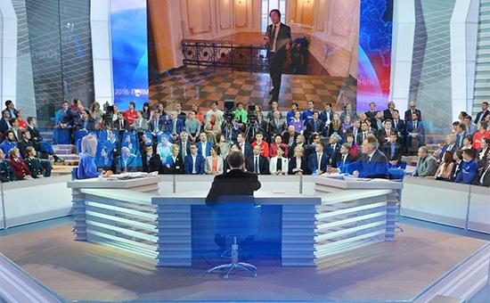 Студияпрограммы «Прямая линия с Владимиром Путиным»в Гостином Дворе