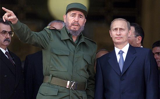 Фидель Кастро и Владимир Путин (слева направо) на встрече в 2000 году