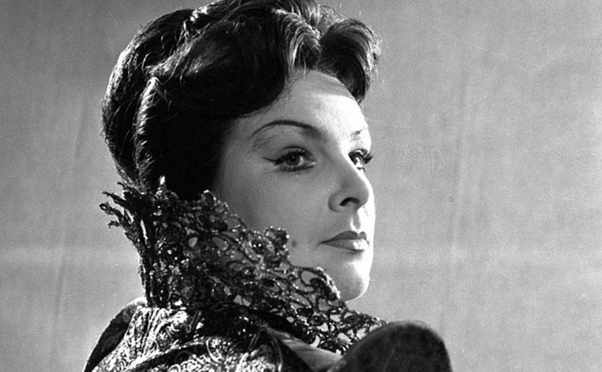 Вера Вельяминова в роли Марии Тюдор в спектакле «Мария Тюдор». 1964 год