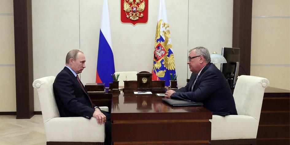 Владимир Путин и глава «Банк ВТБ» Андрей Костин во время встречи в Ново-Огарево