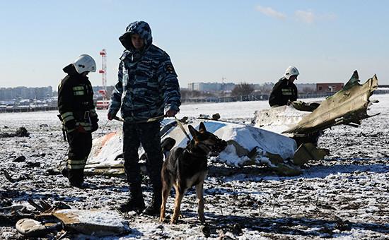 Обломки разбившегося вРостове-на-Дону Boeing 737-800 авиакомпании flydubai