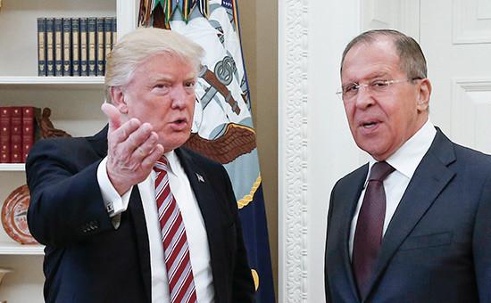 Дональд Трамп (слева) иСергей Лавров