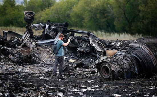ОбломкиBoeing 777 рейса MH17. 18 июля 2014 года