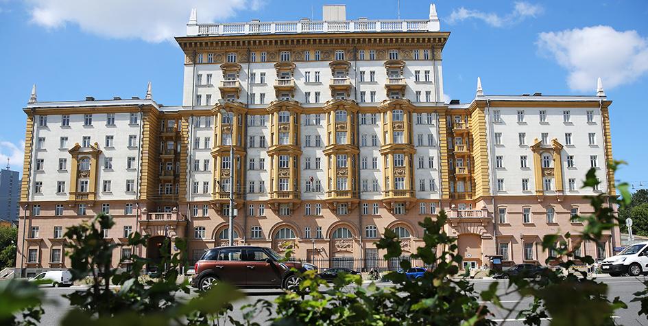 Здание посольства США в России на Новинском бульваре