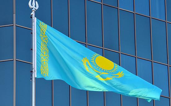 Астана. Государственый флаг Казахстана