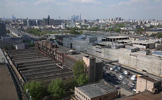 Вид с территории завода ЗИЛ