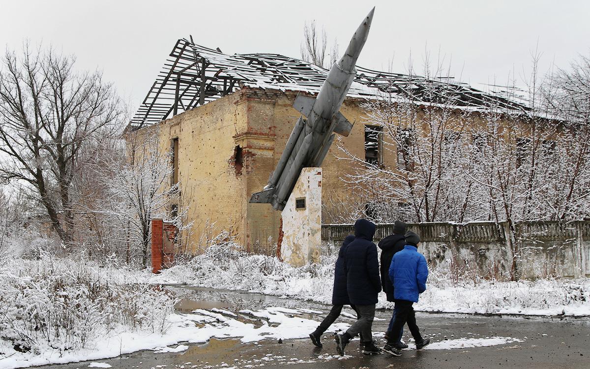 В Киеве предложили возить туристов из Донбасса по «интересным маршрутам»