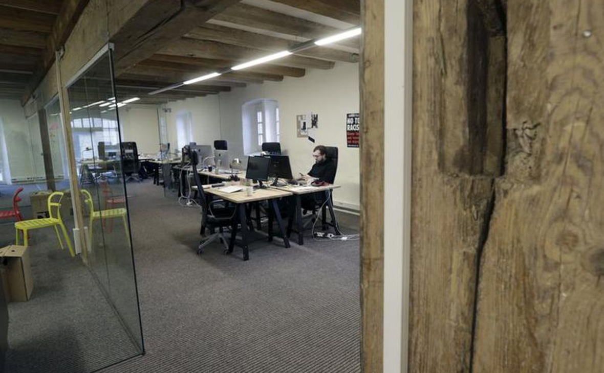Журналисты издания «Meduza» в офисе в Риге