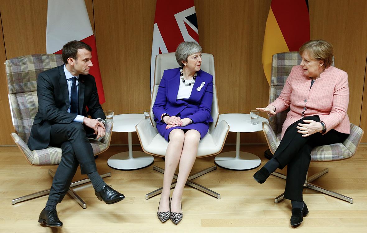 Эмманюэль Макрон, Тереза Мэй иАнгела Меркель (слева направо)