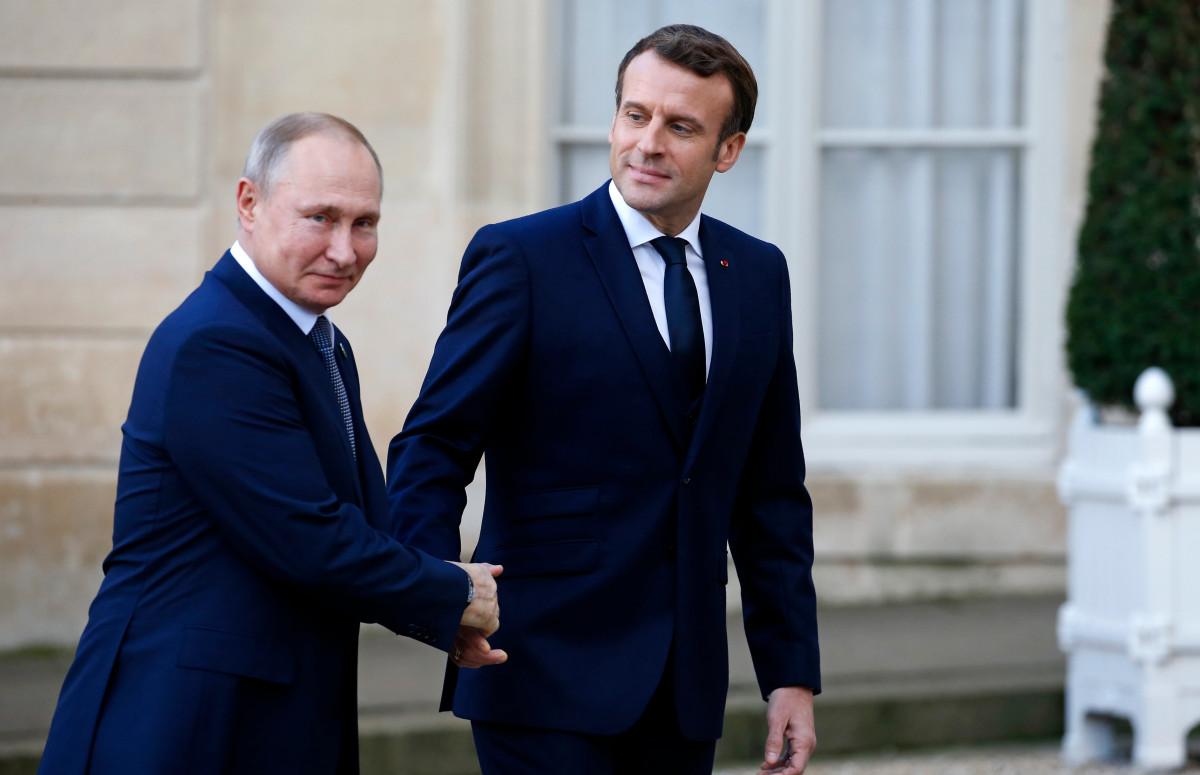 Владимир Путин и Эммануэль Макрон в Елисейском дворце, 2019