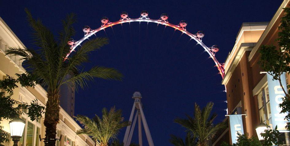 Аттракцион High Roller вЛас-Вегасе—самое высокое колесо обозрения вмире наданный момент