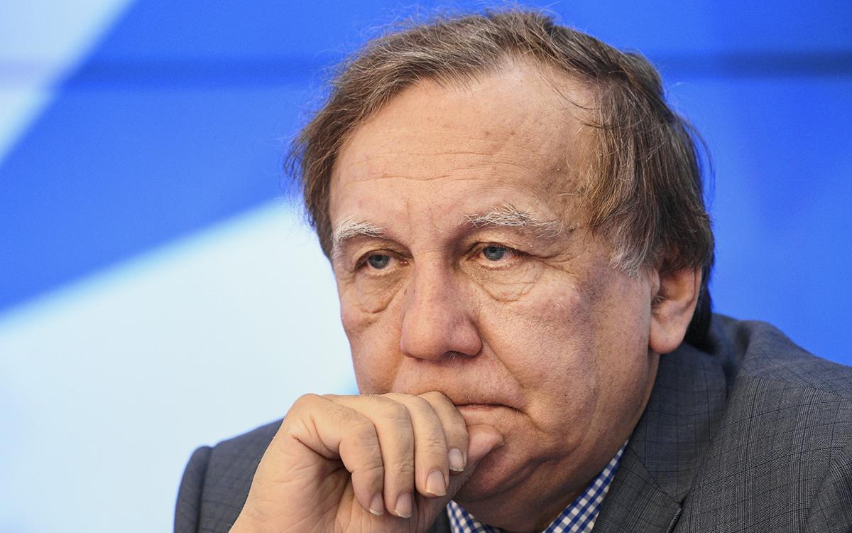 Заместитель председателя Совета Ассоциации российских дипломатов Андрей Бакланов