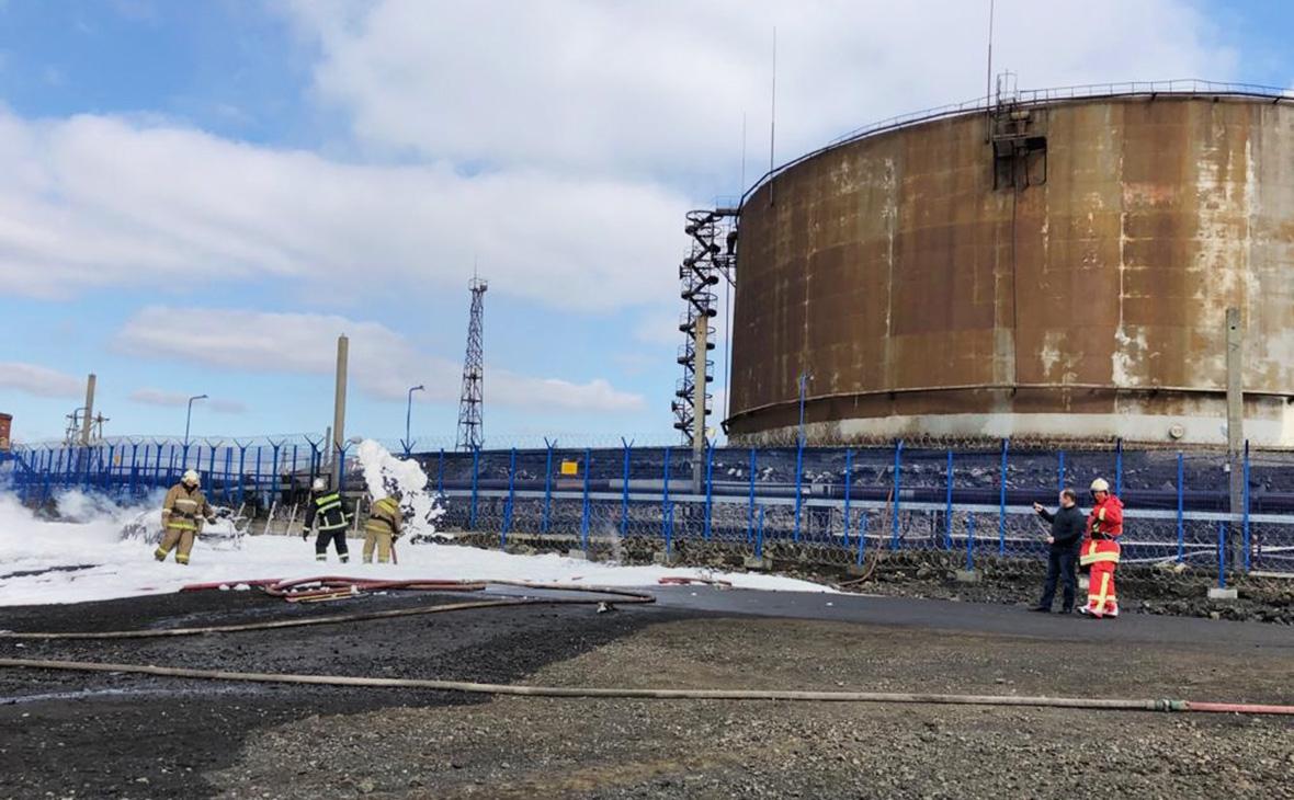 Ликвидация последствий разлива нефтепродуктов из резервуара ТЭЦ-3 под Норильском, 29 мая 2020г.