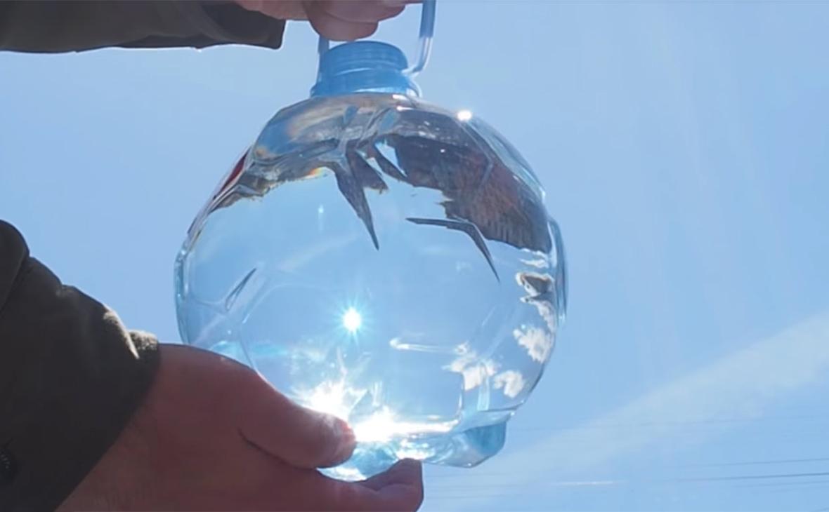 Бутылка воды «Святой источник» в форме мяча