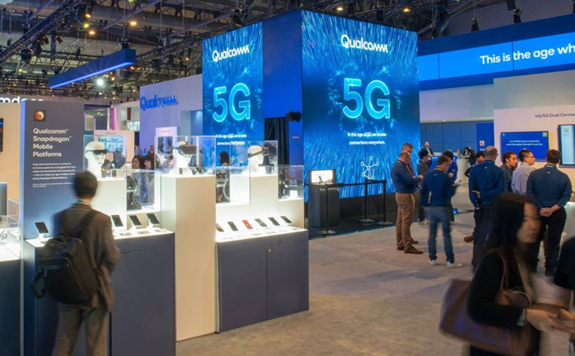 Стенд Qualcomm на выставке Mobile World Congress 2019 в Барселоне, Испания.