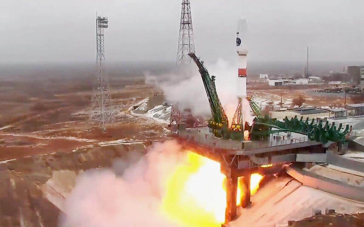 Старт ракеты-носителя «Союз-2.1б» с разгонным блоком «Фрегат» и новым космическим аппаратом для оценки климата Арктики, космодромБайконур