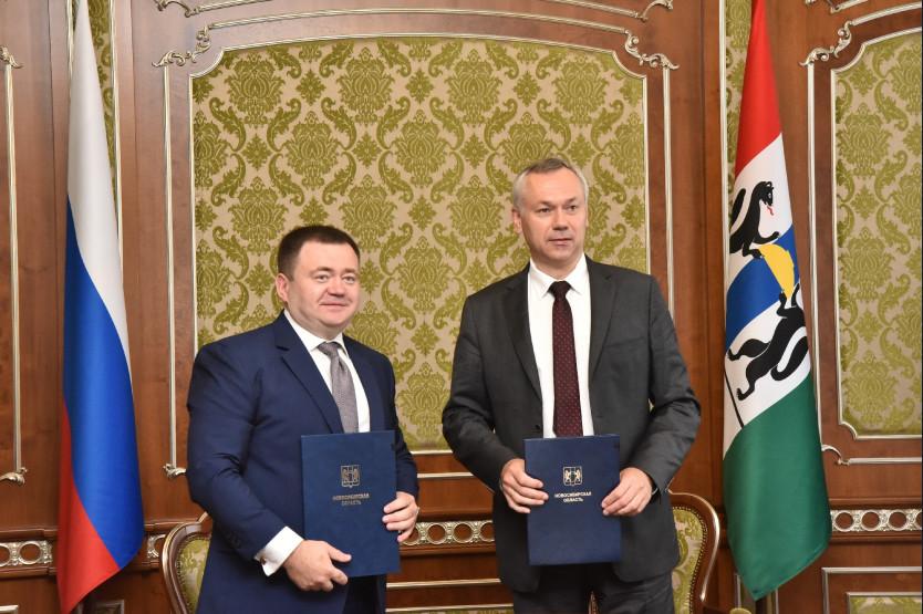 Губернатор Новосибирской области Андрей Травников— справа