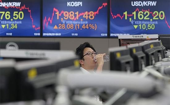 Трейдер на бирже в Сеуле, Южная Корея