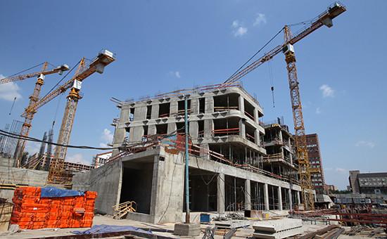 По данным официальной статистики, падение в строительстве, например, составило 4,1%