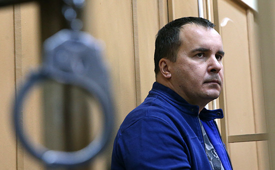 Экс-председатель исполнительной дирекции Межпромбанка Александр Диденко в Басманном суде. Фото 2014 года