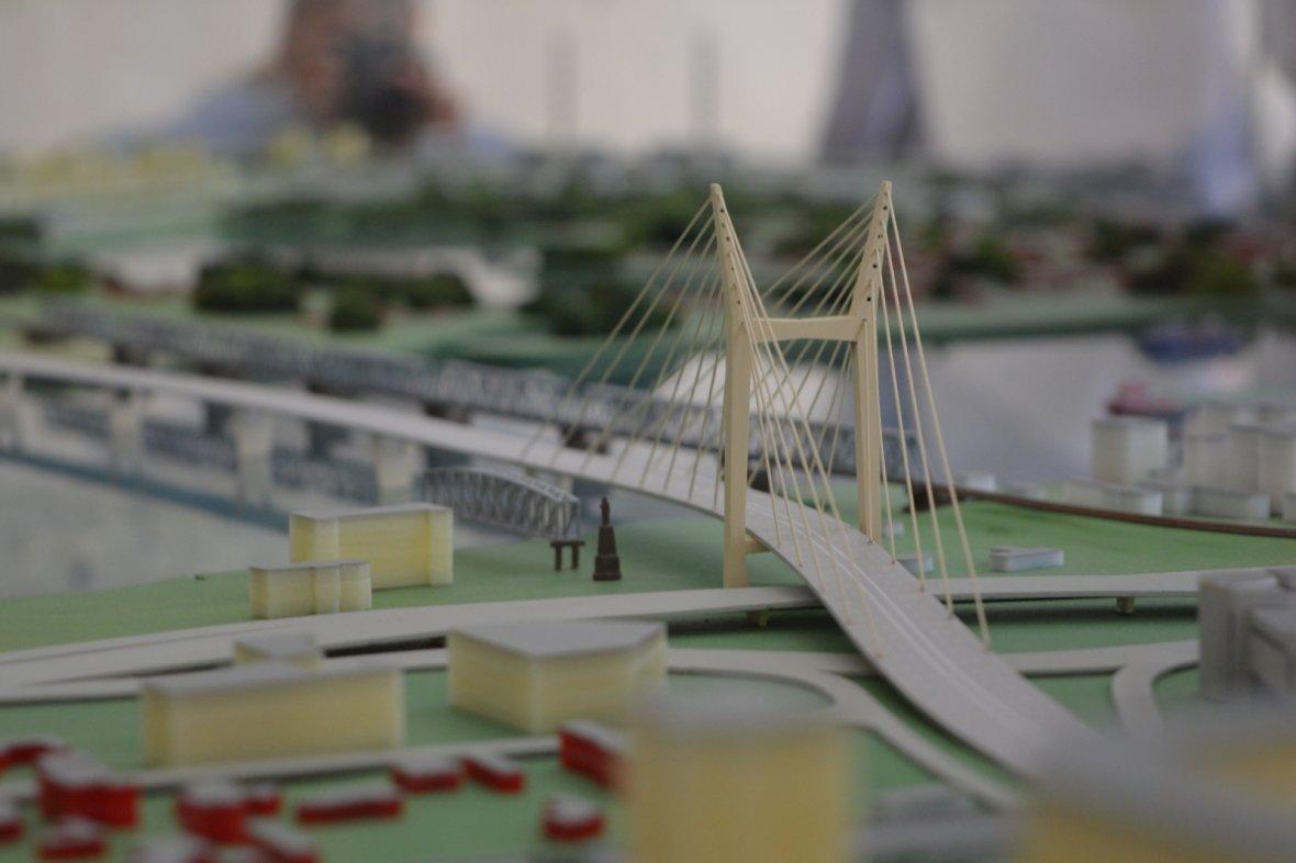 Для контроля за ходом строительства и эксплуатации нового моста в Новосибирске создано отдельное государственное казенное учреждение «Мост». АО возглавил бывший гендиректор завода «Экран» и АО «Центральный мост» Евгений Кожевников