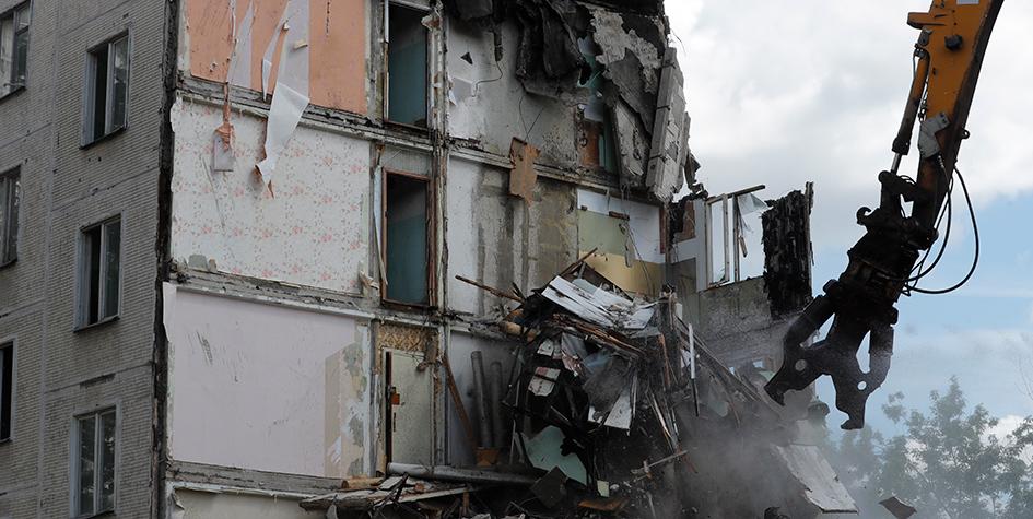 Снос пятиэтажки серии К-7 на проспекте Маршала Жукова в районе Хорошево-Мневники
