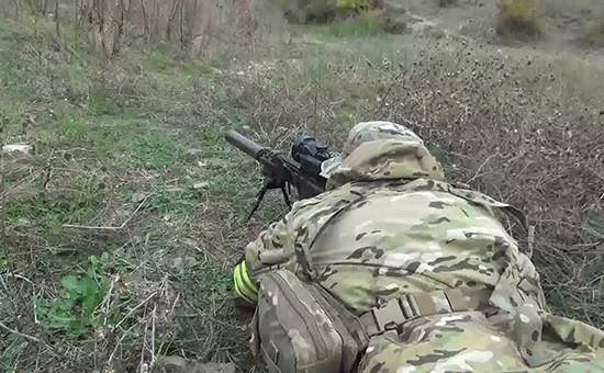 Сотрудник спецназа ФСБ вовремя проведения оперативно-розыскных мероприятий