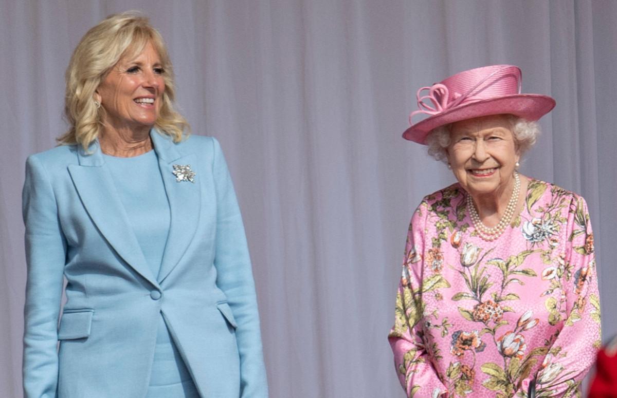 ДжиллБайден и Елизавета II на чаепитии в Виндзорском замке