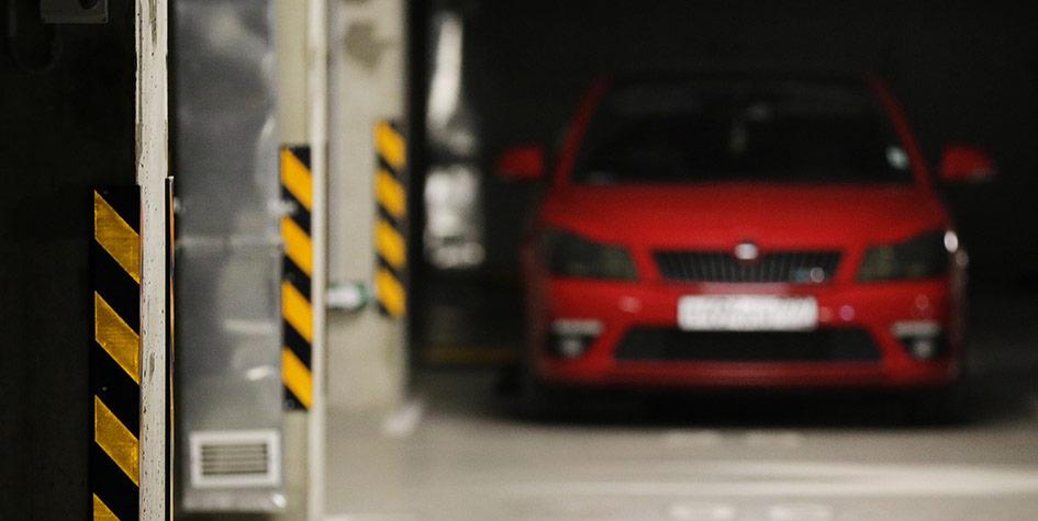 Автомобиль наподземной парковке
