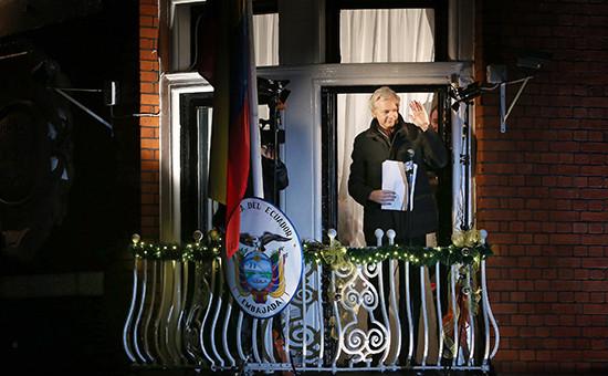 Основатель WikiLeaks Джулиан Ассанж в посольстве Эквадора в Лондоне