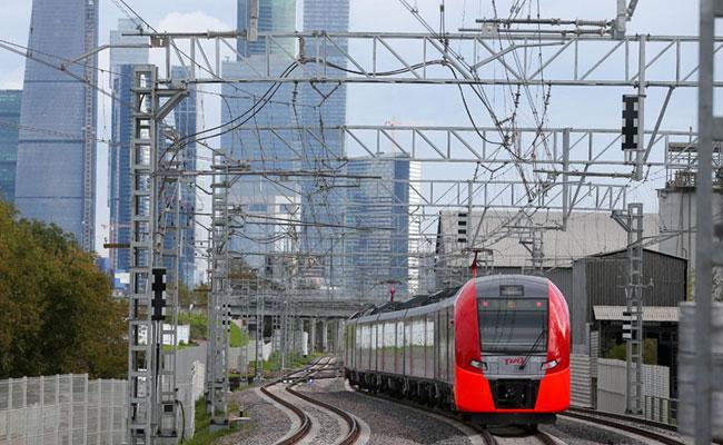 Поезд на Московском центральном кольце