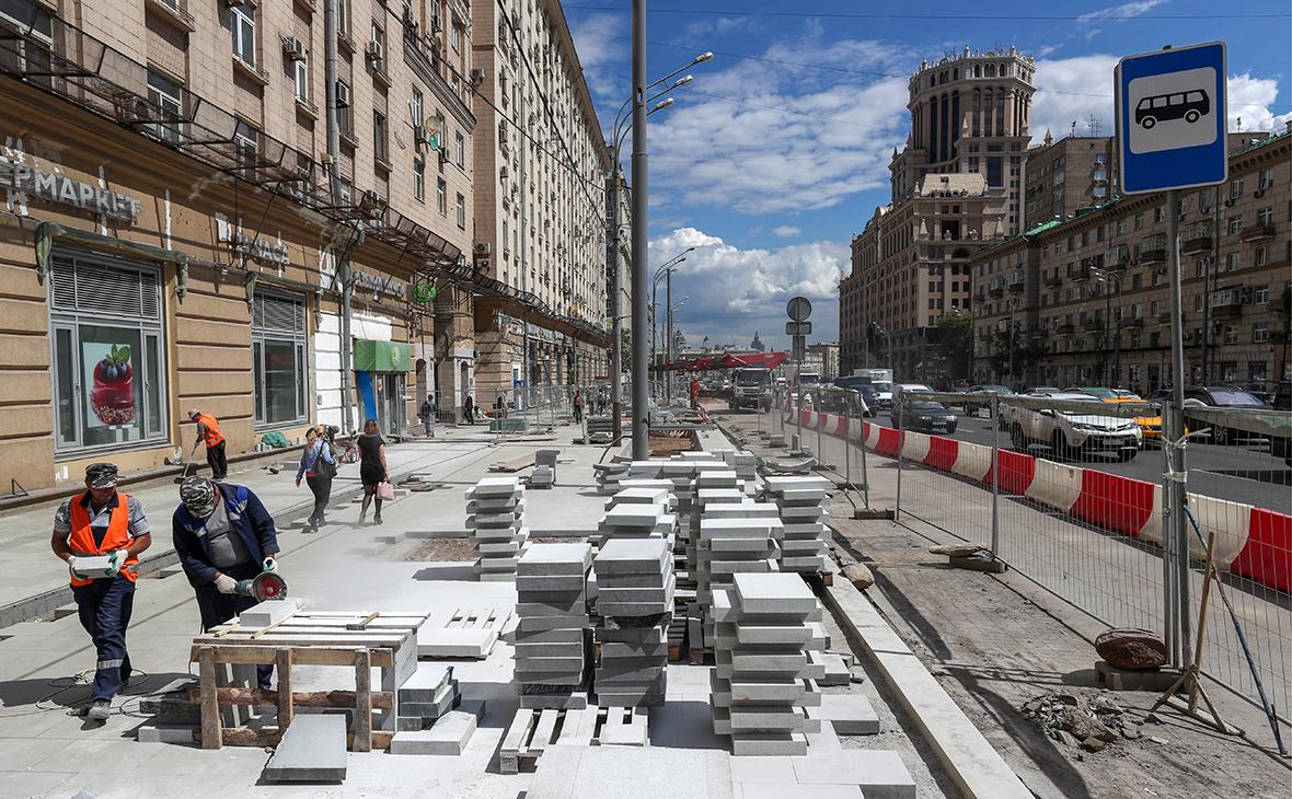 Работы по благоустройству Валовой улицы в рамках проекта «Моя улица» в Москве