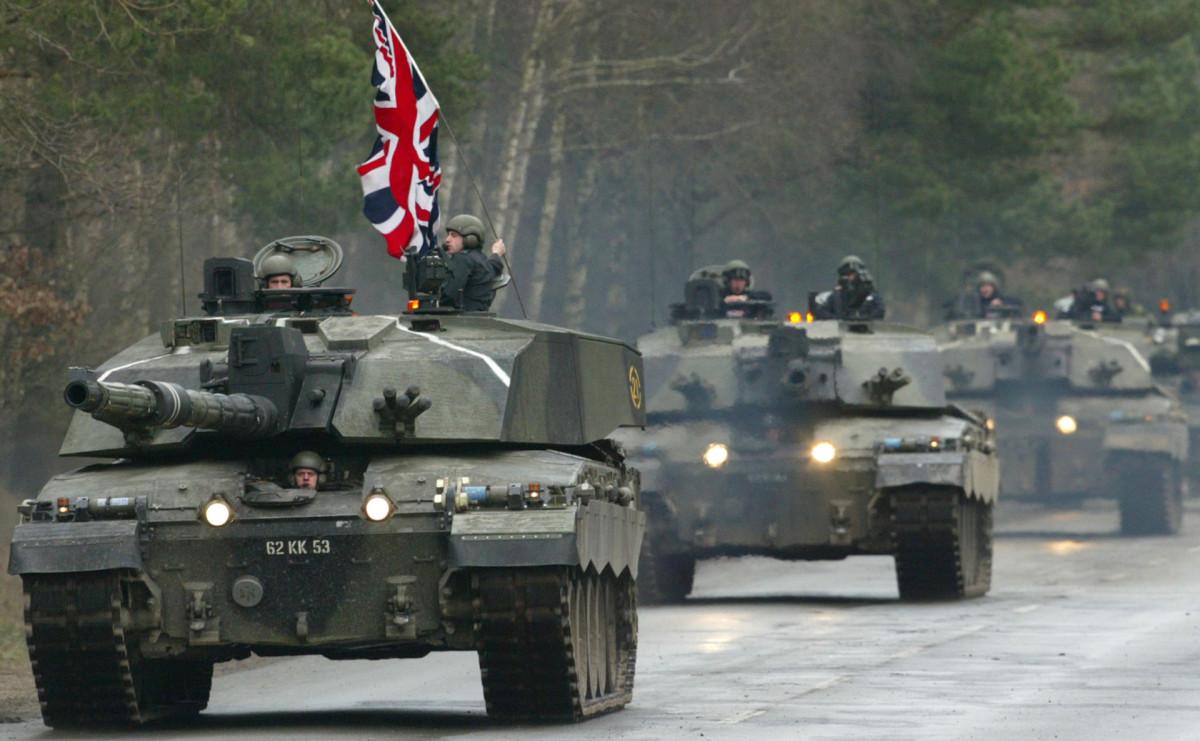 Колонна британских танков в Германии. Архив