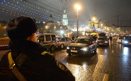Следственная группа на месте убийства Бориса Немцова