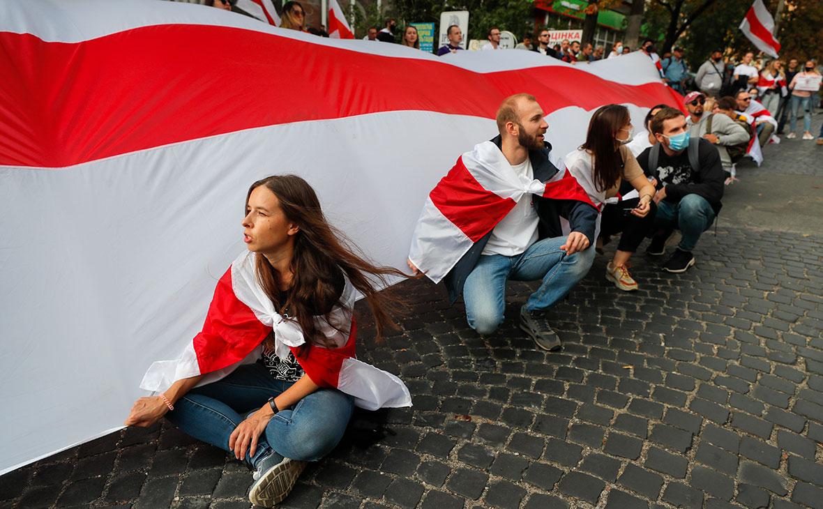 Акция солидарности с протестующими в Белоруссии в Киеве