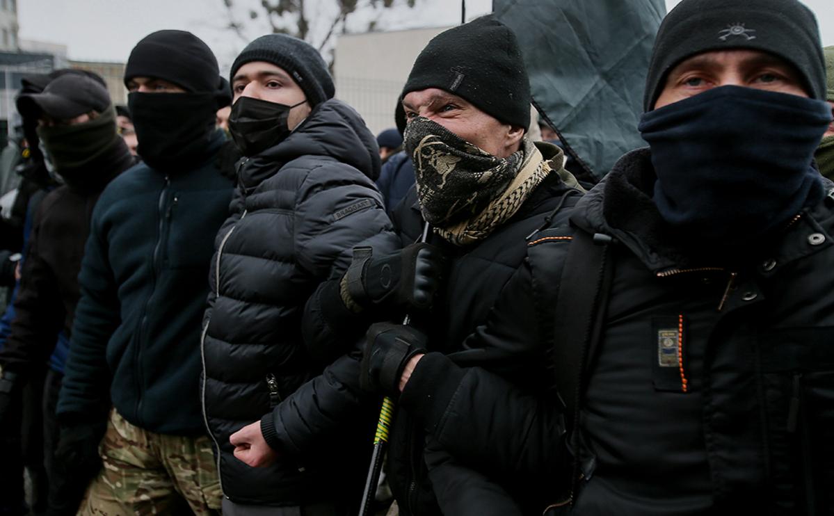 Националисты в Киеве попытались прорваться в офис телеканала «Наш»