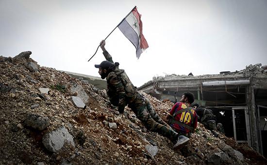 Солдат сирийской армии на востоке Алеппо